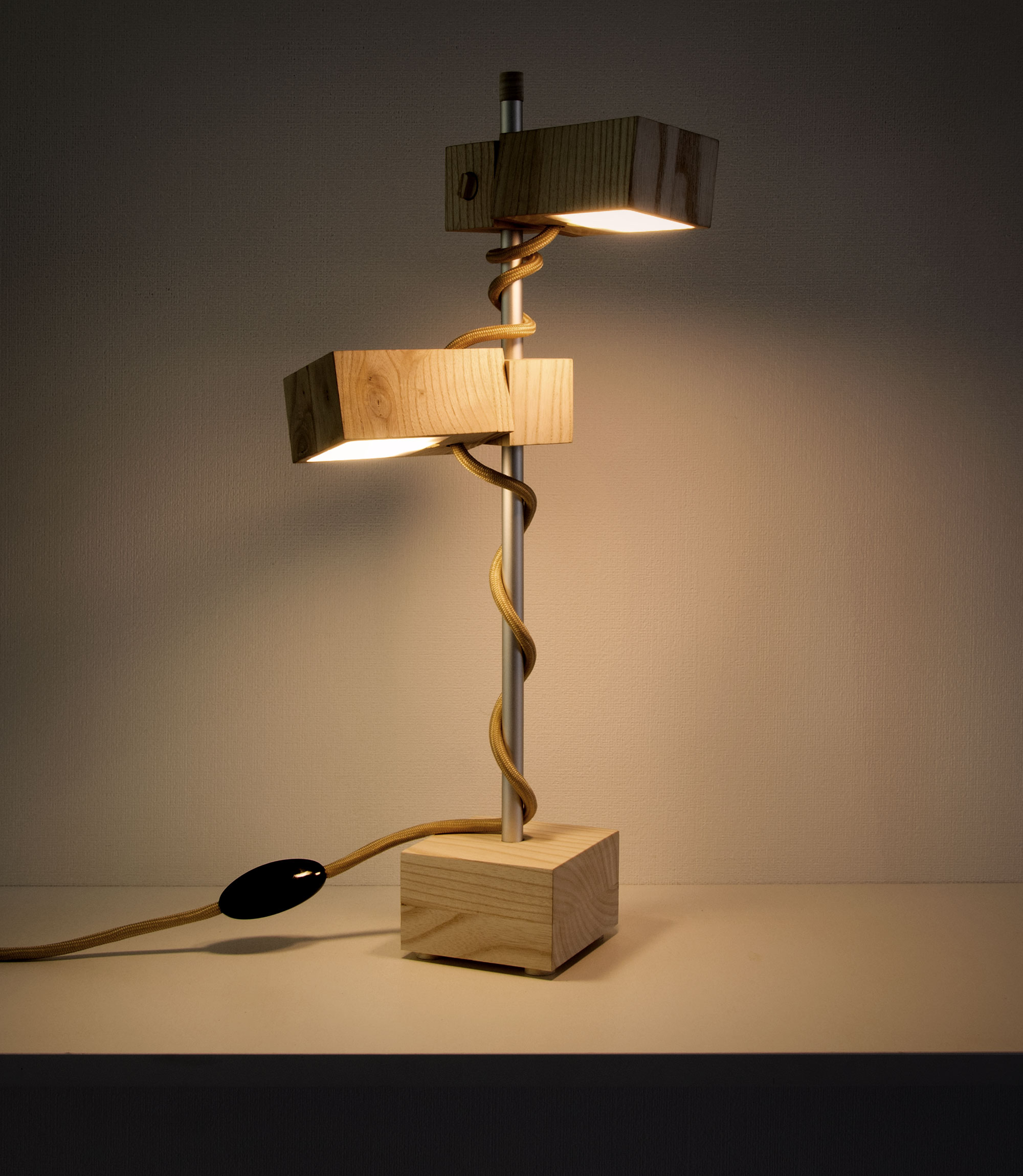 Картинки настольных ламп из дерева